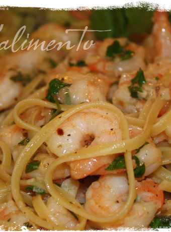 Linguine con Gamberetti (Shrimp) close up