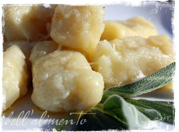 Gnocchi al Burro e Salvia {Gnocchi w/Butter & Sage Sauce} | bell ...