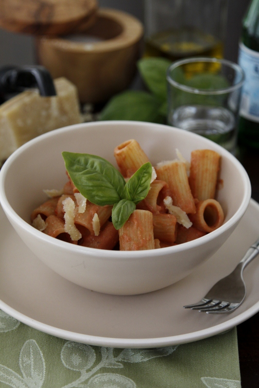 tomato sauce pasta with tomato cream sauce recipe key ingredient pasta ...