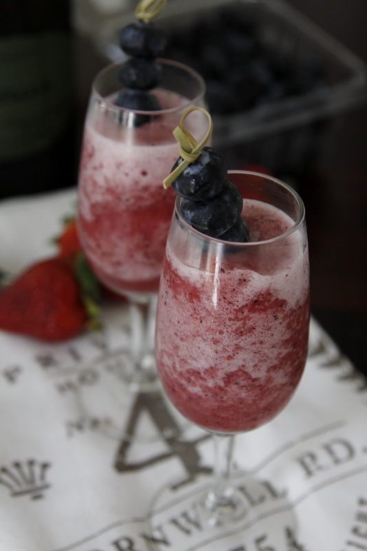 Very Berry Bellini | bell' alimento