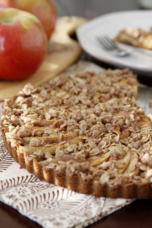 Caramel Apple Dessert Pizza | bell' alimento
