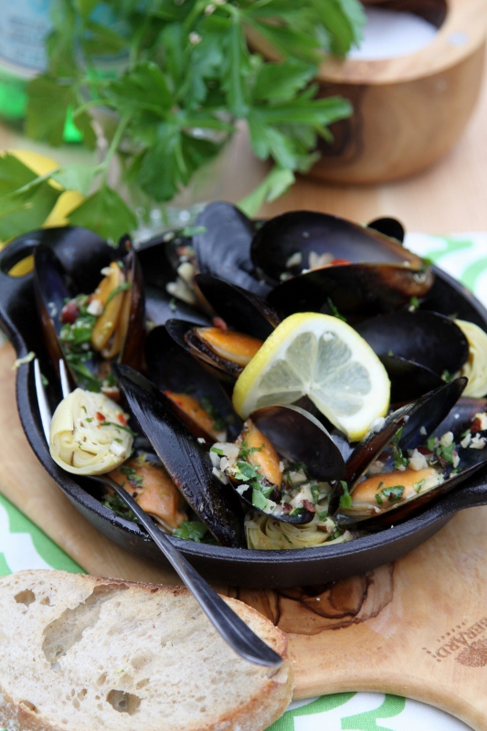 Mussels with Hazelnut Gremolata | bell' alimento