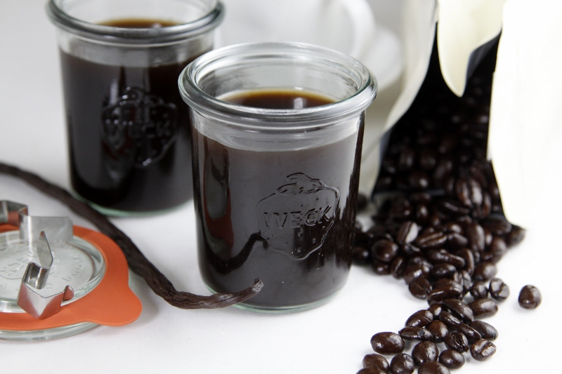 How to Make Coffee Liqueur | bell' alimento