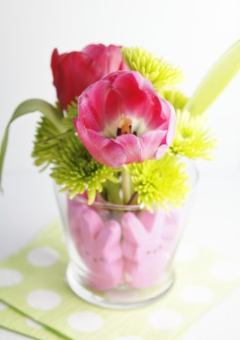 DIY Peeps Centerpiece with Tulips in middle of vase.