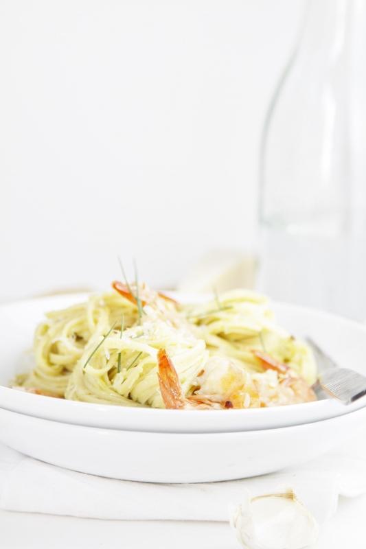 Crreamy Avocado and Shrimp Pasta
