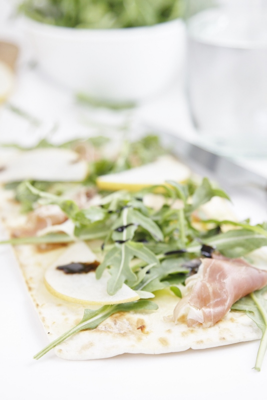 Prosciutto Pear and Arugula Flatbread Pizza