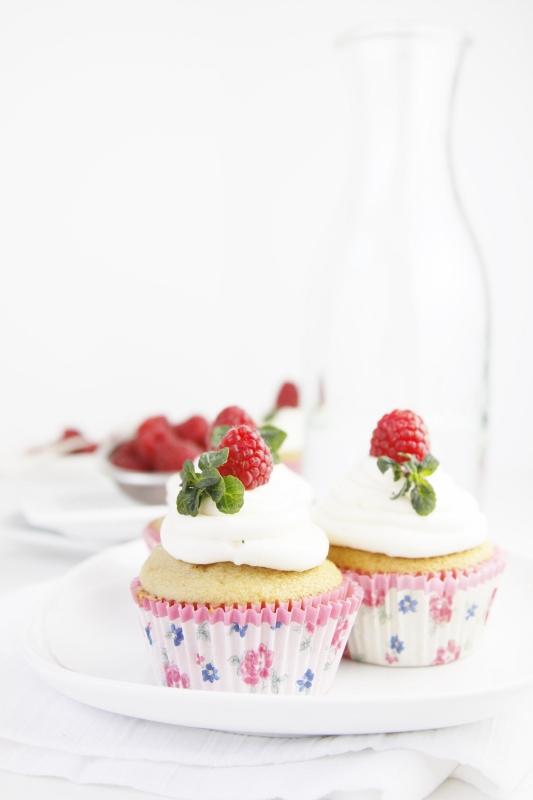 Raspberry Tea Cupcakes | bell' alimento