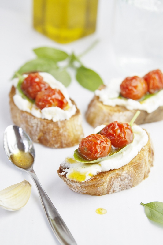 ... cheese bacon jam crostini with melted brie and roasted tomatoes