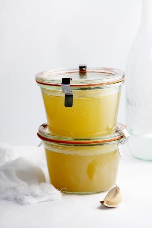 Homemade Chicken Stock www.bellalimento.com