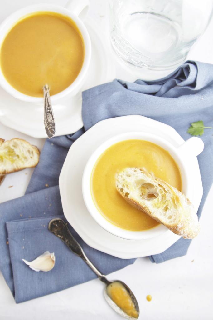 Creamy Roasted Pumpkin Soup www.bellalimento.com