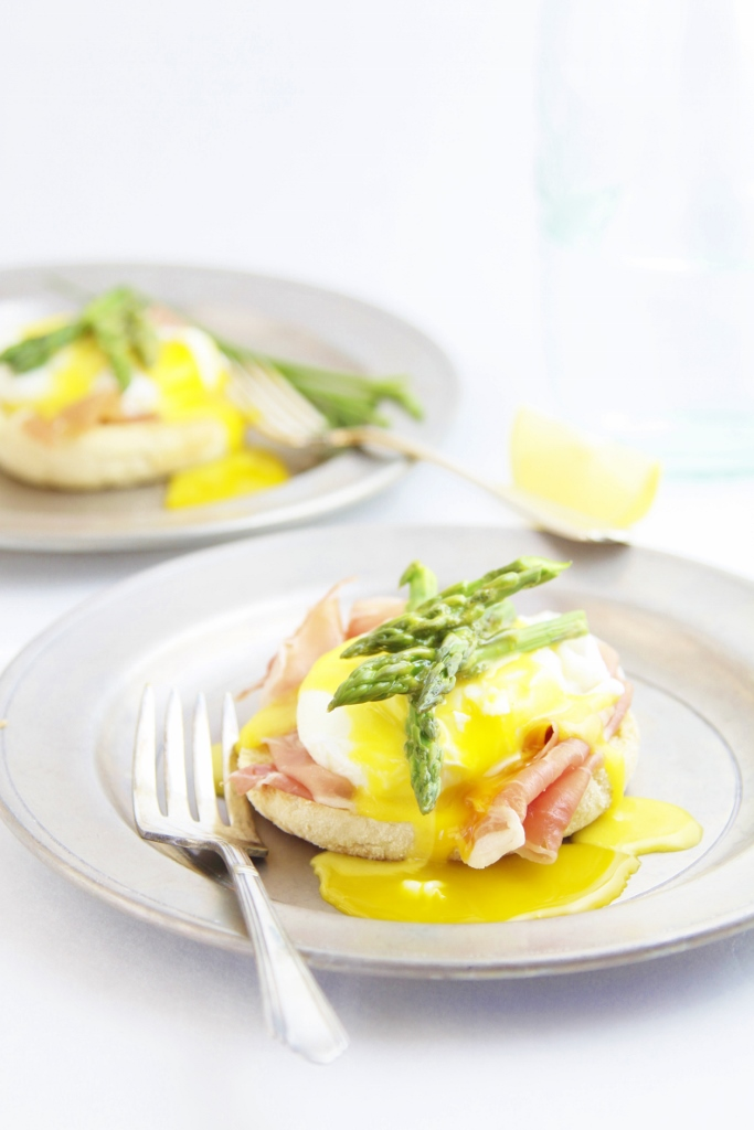 Prosciutto Asparagus Eggs Benedict www.bellalimento.com