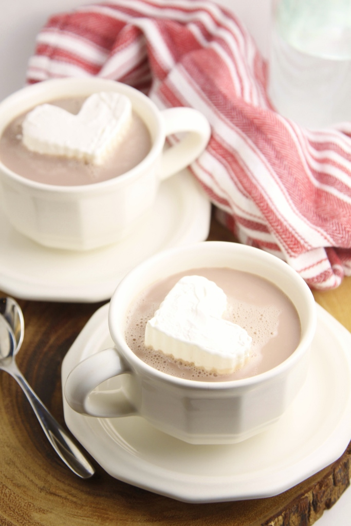Whipped Cream Hearts www.bellalimento.com