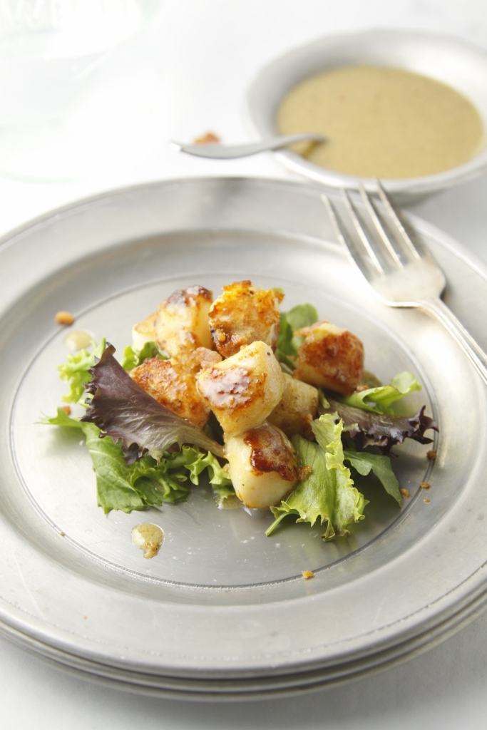 Seared Scallops with Creamy Bacon Vinaigrette www.bellalimento.com