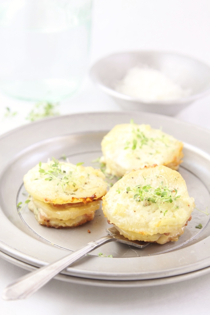 Parmesan Scalloped Potatoes and Ham www.bellalimento.com