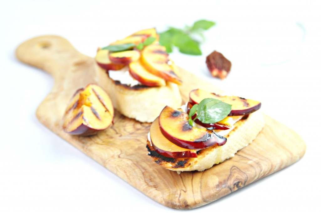 Grilled Peaches With Mascarpone Whip And Fresh Raspberry ...