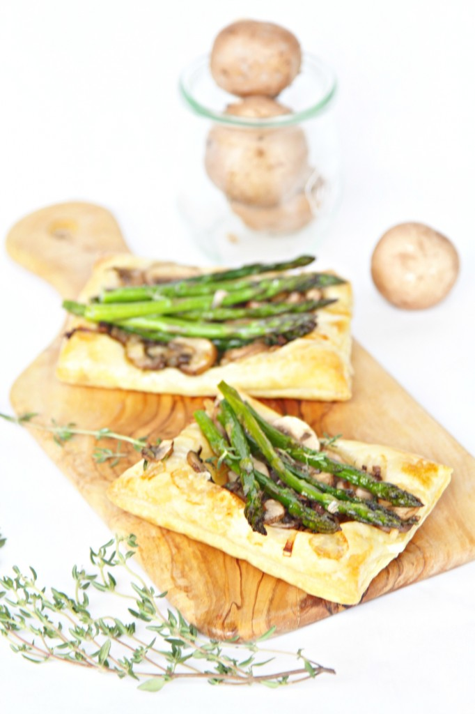 Sauteed Mushroom Asparagus Puff Pastry Appetizer #appetizer #vegetarian #fingerfood #asparagus #mushrooms #puffpastry