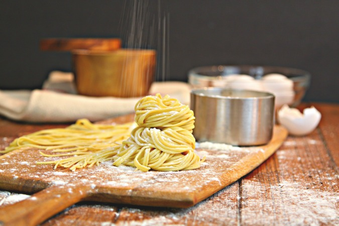 Learn how to easily make homemade pasta with your stand mixer #pasta #vegetarian #homemade