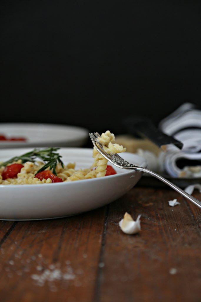 Creamy Garlic Sauce Rotini