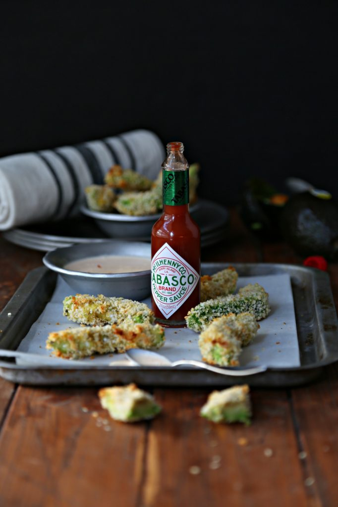 Crispy Baked Avocado Fries with Spicy Dipping Sauce #appetizer #avocadods #avocadofries #vegetarian