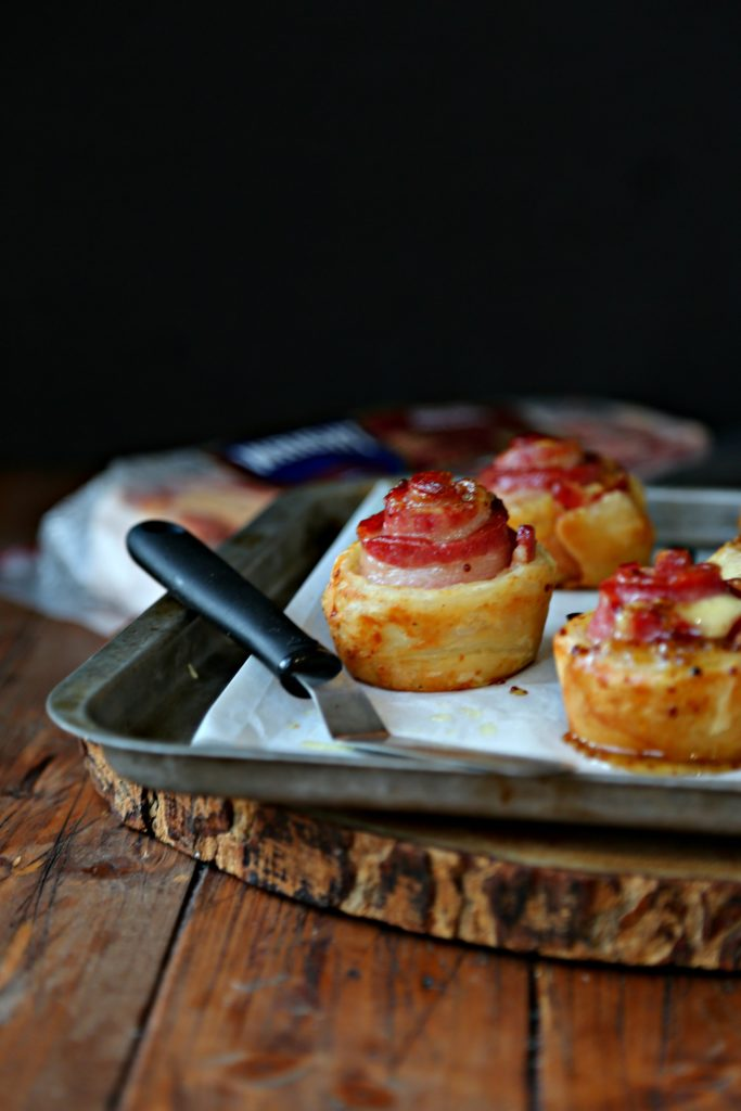 Glazed Bacon and Havarti Puff Pastry Bites #appetizer #puff pastry #bacon #fingerfood #partyfood