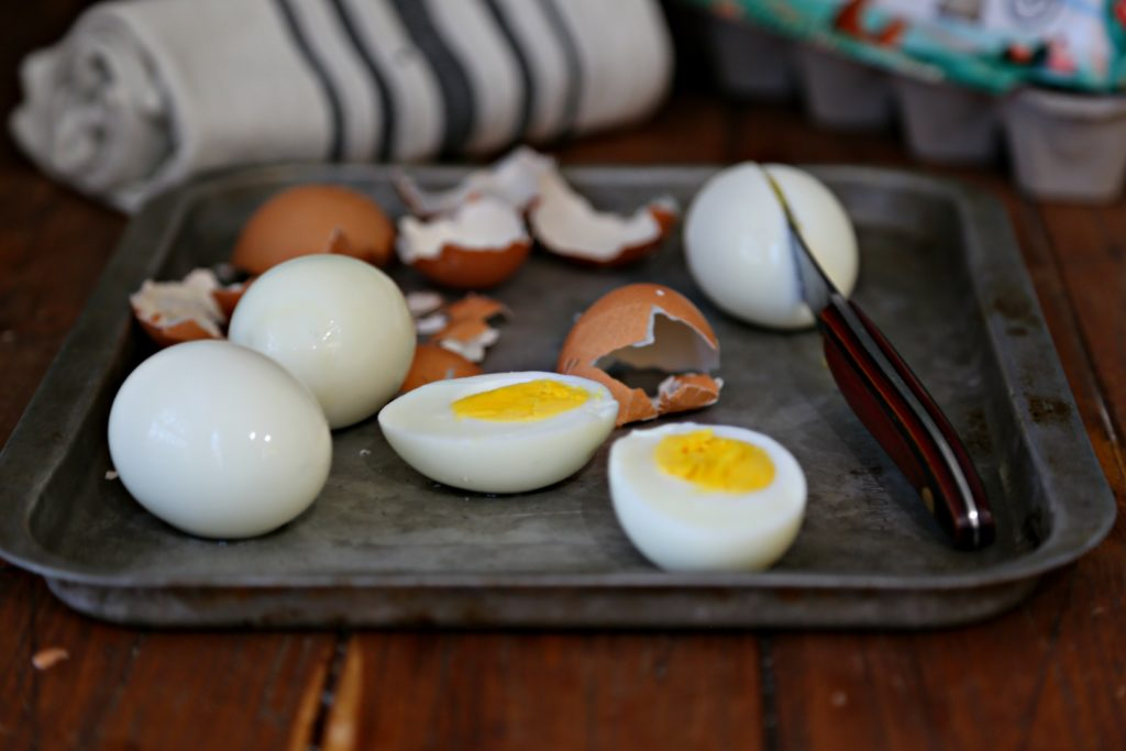 How to Make the Perfect Hard Boiled Eggs in an Instant Pot #instantpot #eggs #hardboiledeggs