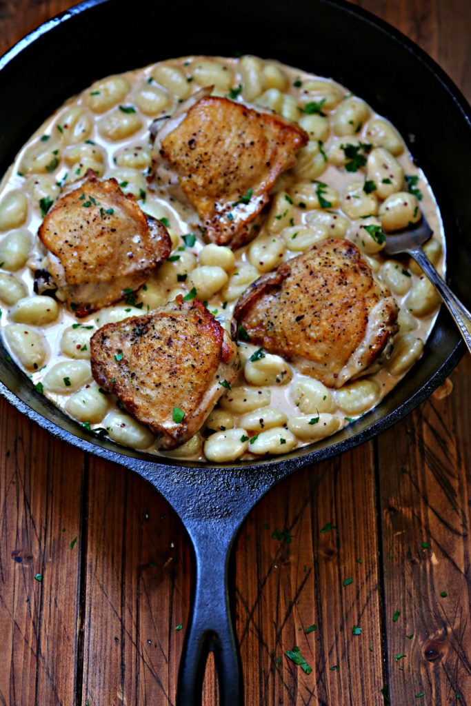 skillet with chicken and gnocchi.